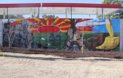 Art club plans phase two of Kum & Go mural
