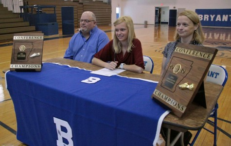 Gallery: Lessenberry signs with Henderson State University