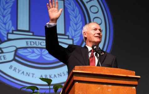 Speaking in Code: Governor Asa Hutchinson Promotes STEM Education to Juniors