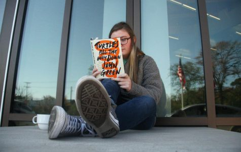 "Review of John Green's ""Turtles All The Way Down"""